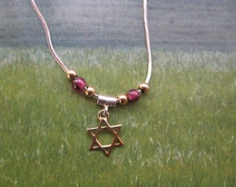 Magen David Star necklace, Gold Star of David Necklace with Garnet Beads and Sterling Silver Chain, Dainty Jewish Star Pendant, Bat Mitzvah
