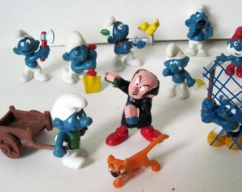 Oh Smurfs ... and Gargamel & Azrael ... 9 piece lot of 1970-80's Schleich Peyo Figurines