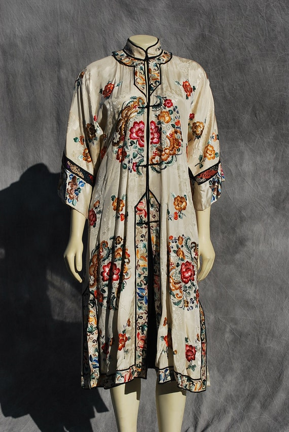 Vintage Chinese art deco silk robe hand embroidered with Swastika WAN Buddhist symbol of prosperity by thekaliman