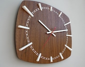Modern Wall Clock // Norwahl // Walnut