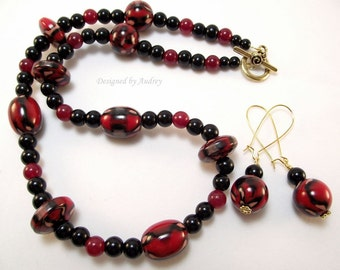 Black and Burgundy Carnival Necklace and Earring Set