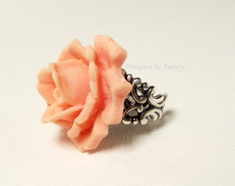 Peachy Pink Victorian Rose Ring