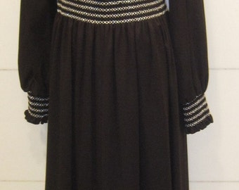 Black Maxi Dress.  Polyester Maxi Dress. Vintage Boho Prairie Dress.  Woodstock Dress.  Size 14 Large.  Beach Dress. .