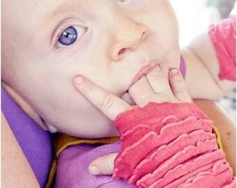 Fingerless Gloves,  ruffled glovelettes, wrist warmers, Infant  to toddler size.