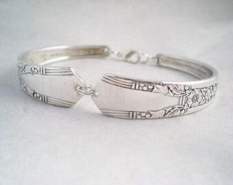 Spoon Bracelet, FREE ENGRAVING,  Bridesmaid Bracelet, Bridesmaid Gift, Personalized Silver Vintage Wedding,  Silverware Jewelry JASMINE 1939