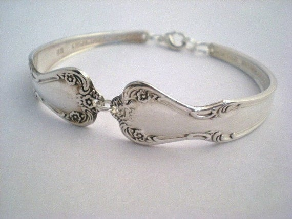 Spoon Bracelet, Silverware Jewelry, FREE ENGRAVING, Wedding Gift, Vintage Wedding - Elegant Lady 1952