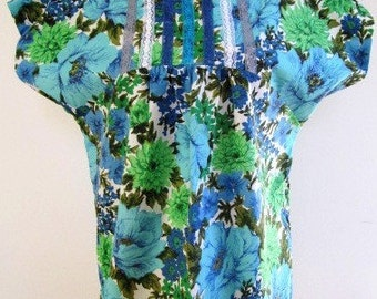 SALE Tropical Blouse Repro Vintage Fabric Short Sleeve Tunic Blue Green 1970s Floral  - Size Large