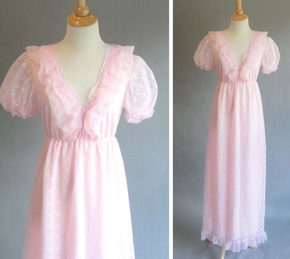 Vintage 1960s Pink Maxi NIghtgown with puffy sleeves POLAND MADE Maxi Nightgown