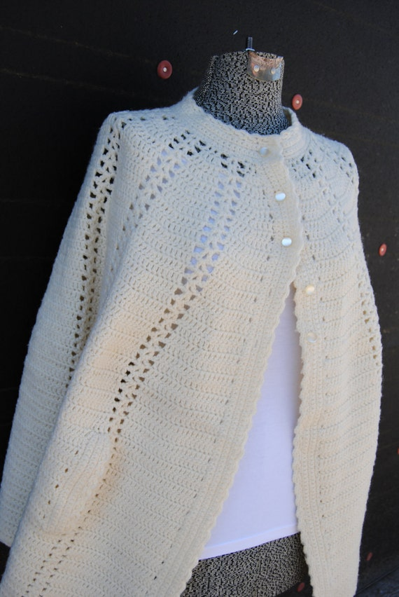 Reserved-Vintage 1960's White Knit Cape