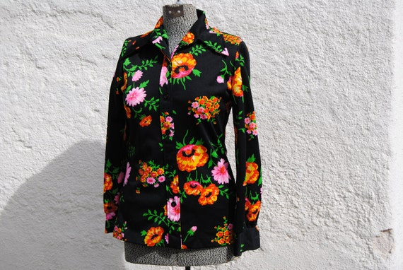 Reserved for Crystal-Vintage 1970's Psychedelic Floral Fitted Blouse