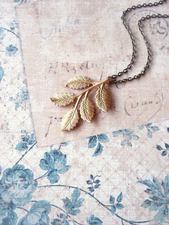 Gold Leaf Necklace Botanical Jewelry Vintage Style Nature Charm Pendant Bridesmaid Rustic Woodland Wedding Accessories Womens Gift Spring