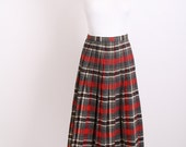 Plaid / Christmas Skirt / 50s Skirt / Vintage Skirt / Vintage Kilt / 1950s  / Red / White / Black / Tartan / Plaid / Holiday / 0555