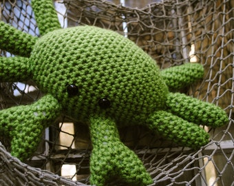 Woolie Green Crab Hand Crocheted Plush