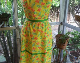 70s THE LILLY—Lilly Pulitzer—Butterfly Print Sundress—Yellow and Orange with Green—Green Ribbon Belt—Size 4