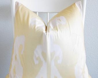Brunschwig Fils Surabaya - Large ikat yellow white - 22x22 ombre designer pillow cover