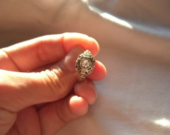 Antique Deco Gold and Diamond Filigree Engagement Ring Size 4.75
