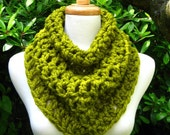 Chunky Cowl Scarf Neckwarmer Capelet Snood Soft Warm Comfy Chartreuse