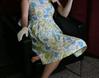 Vintage 60s Day Dress in off white, blue and green