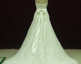 Strapless Lace Wedding Dress Sweetheart Neckline with Sash, Bow  and Buttons Custom Made to your Measurements