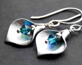 Bridesmaid Custom Color Silver Calla Lily Earrings, Brushed Silver Lily, Blue Green Swarovski Crystal, Hammered Sterling Silver Earwires