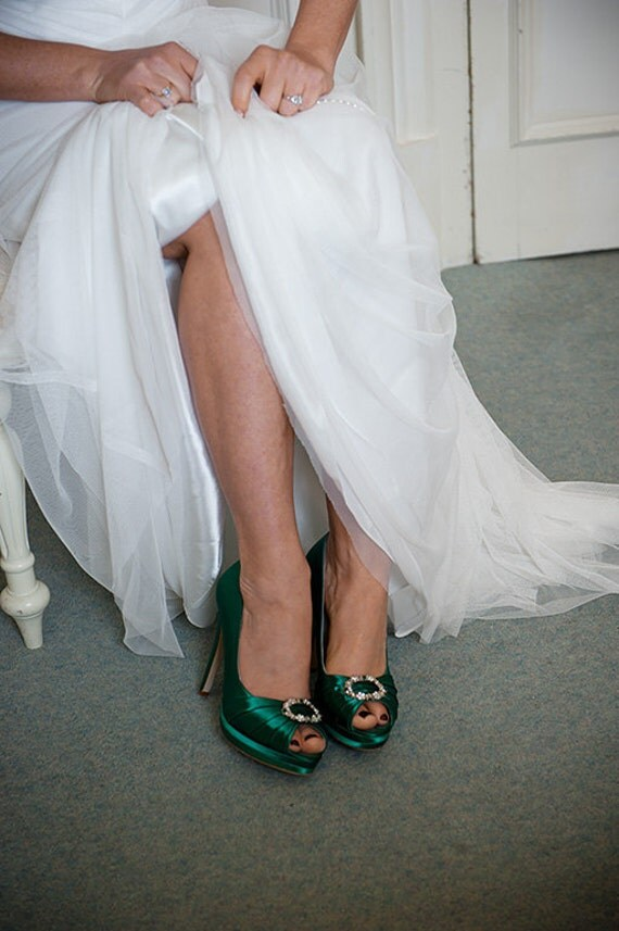 green wedding shoes giveaway