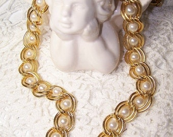 Beautiful Necklace with Faux Pearls Double Large Gold Tone Chain Bridal Wedding Summer Vintage Style