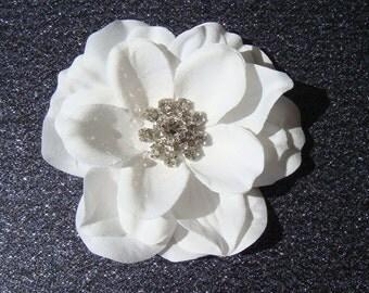 PURE WHITE hair flower with rhinestone centerpiece / bridal white flower hair clip