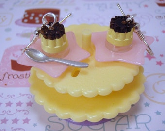LAST CHANCE Sale FReE SHIPPING Giga Pudding on Star Plates Dangle Pierced Earrings Pastel Yellow