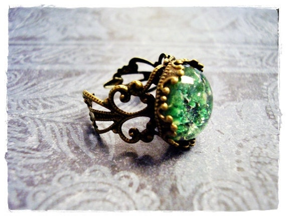 Round Green Opal Glass Cabochon Ring - Ornate Antique Brass Filigree Band