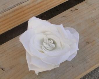 Cute white   flower  1 piece listing