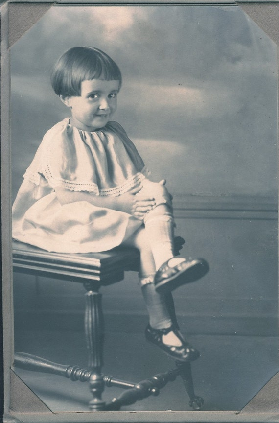 Cute Little GIRL with LEGS CROSSED Photo Circa 1920