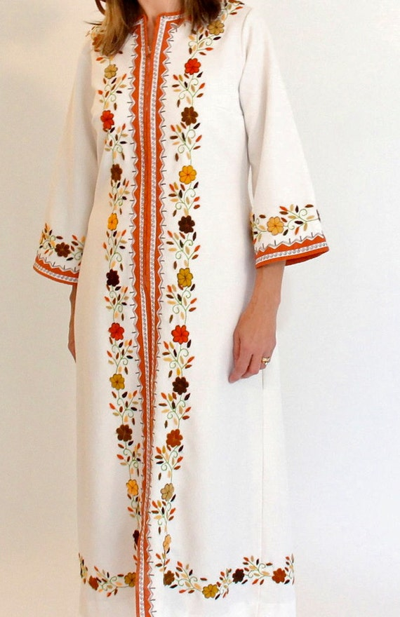 maxi floral embroidered caftan - 60s vintage - s m