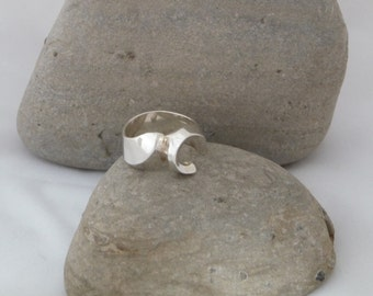 Wedding/Engagement Sterling silver Curl design ring
