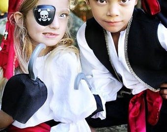 Pirate Pirates Boy Halloween Costume 5 piece set child sizes through 8years old