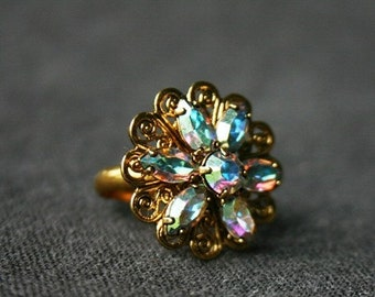 So elegant shining flower ring.