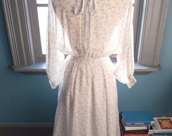 Hopelessly romantic... Vintage GUNNE SAX summer prairie DRESS with romantic  floral print