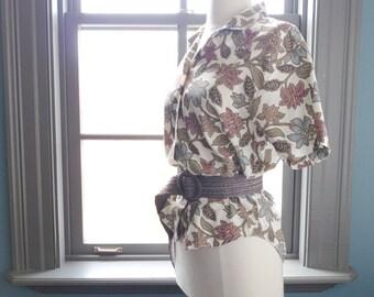 SALE, SALE...Tropicalia... vintage floral print cotton blouse (s - m)