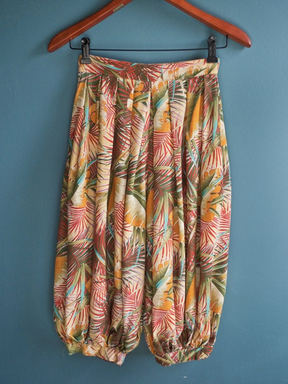 Paradise island... Vintage tropical print cropped genie/HAREM BUBBLE PANTS