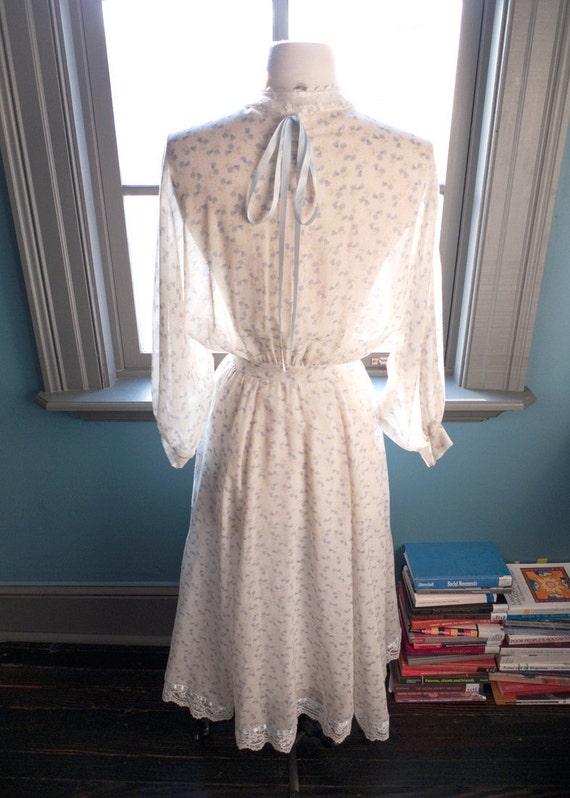 Hopelessly romantic... Vintage GUNNE SAX summer prairie DRESS with romantic  floral print