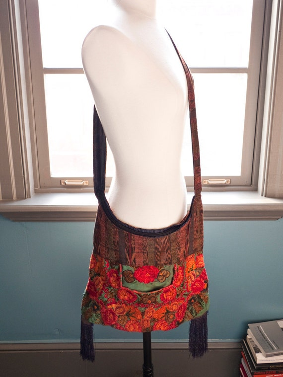 Puerto Angel... Vintage FLORAL EMBROIDERY bohemian peasant bag with fringes