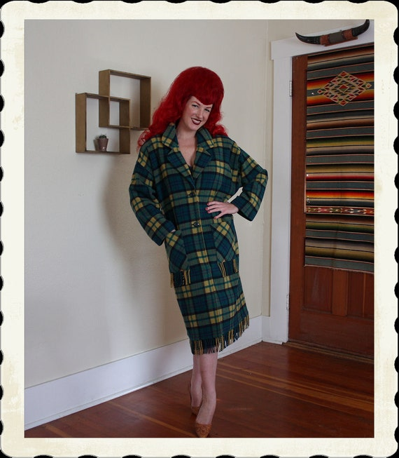 COZY 1940's Style Plaid Wool Western Blanket Fringe Coat - Front Patch Pockets - Shoulder Padding - Lined - Cozy Cowgirl - Size XL to XXL