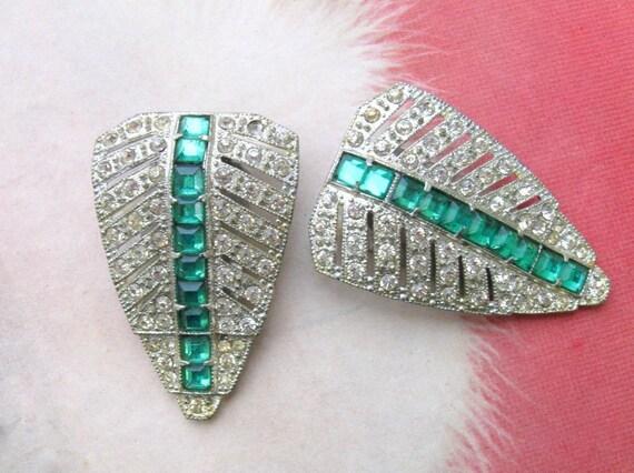 Art Deco Dress Clips / 20s 30s vintage Green & White rhinestone Leaves