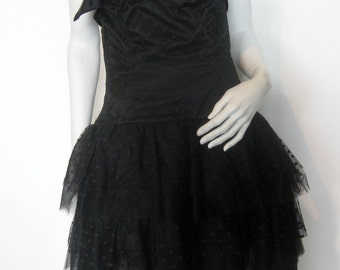 VTG 80s Gorgeous Dotted Black tulle strapless  party dress