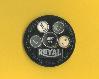 Typewriter Key Pin - Ribbon Spool with Royal insignia