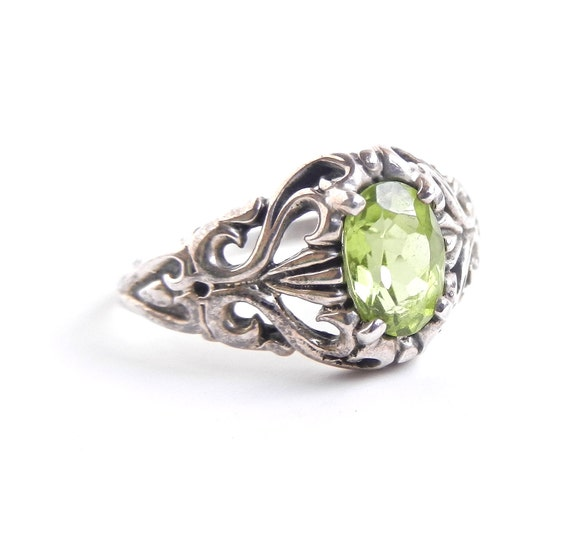 Vintage Sterling Silver Filigree Ring - Green Stone Size 8 Jewelry / Scrolls