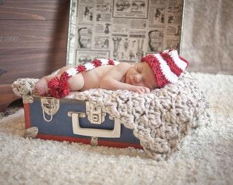 Newborn Elf Hat - Holiday Photo Prop - Baby Elf Hat - Munchkin Hat - Red and White Baby Hat - Infant Elf Hat - Santa's Elf Hat