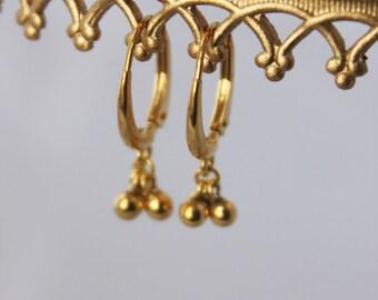 dainty drop earrings. tiny ball clusters. leverback ear wire. 14k, 18k, or 24k gold vermeil • • katia drop earring