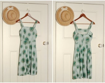 XS vintage 1970s green floral print pinafore sun dress