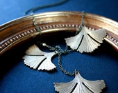gingko leaves. vintage lariat necklace. golden brass leaves. by baltica