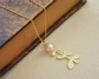 Gold Branch Necklace/ Modern Branch/ Modern Necklace/ Gold Necklace/ Dainty Necklace/ Delicate Necklace/ Pearl Necklace
